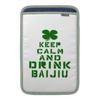 Mantenga tranquilo y bebida Baijiu Funda Macbook Air