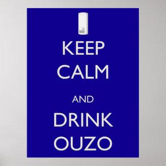 Mantenga tranquilo y bebida Ouzo Póster