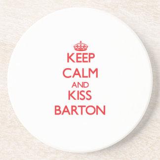 Mantenga tranquilo y beso Barton Posavasos Diseño
