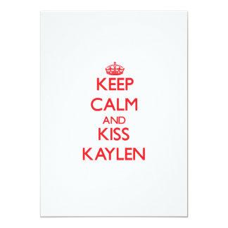 Mantenga tranquilo y beso Kaylen Invitación Personalizada