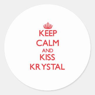 Mantenga tranquilo y beso Krystal Pegatina Redonda