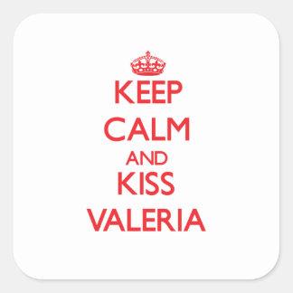 Mantenga tranquilo y beso Valeria Calcomania Cuadradas