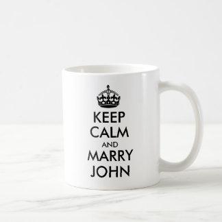 Mantenga tranquilo y case la taza de Juan