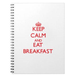 Mantenga tranquilo y coma el desayuno libro de apuntes con espiral
