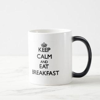 Mantenga tranquilo y coma el desayuno tazas