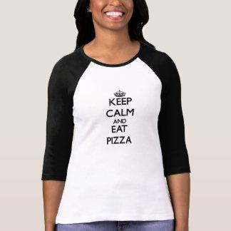 Mantenga tranquilo y coma la pizza remera