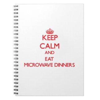 Mantenga tranquilo y coma las cenas de la microond cuaderno