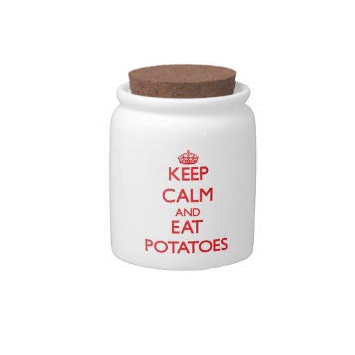 Mantenga tranquilo y coma las patatas jarra para caramelo
