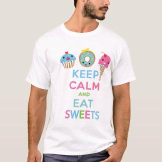 Mantenga tranquilo y coma los dulces playera