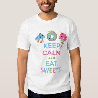 Mantenga tranquilo y coma los dulces playeras