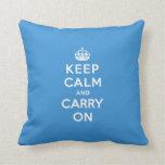 Mantenga tranquilo y continúe a reyes Blue Cojines