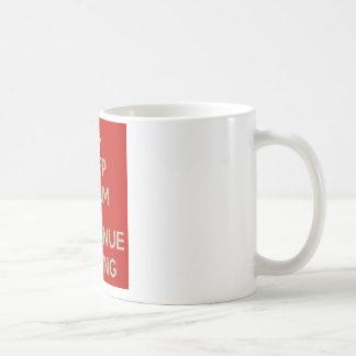 Mantenga tranquilo y continúe cifrando taza de café