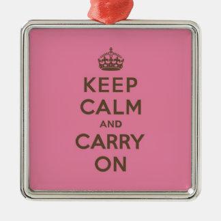 Mantenga tranquilo y continúe el rosa de la fresa adorno cuadrado plateado