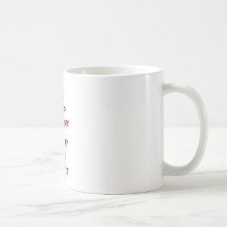 Mantenga tranquilo y continúe el tejón de miel taza básica blanca