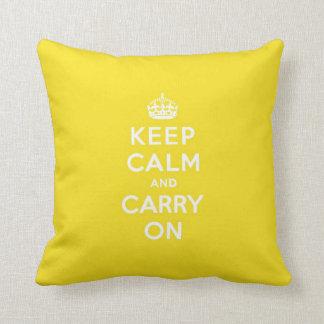 Mantenga tranquilo y continúe el texto amarillo de almohadas