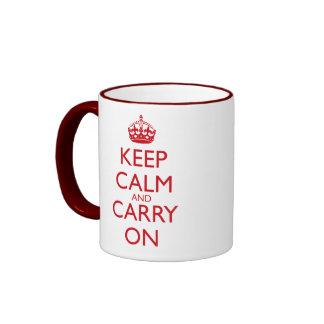 Mantenga tranquilo y continúe el texto del rojo de taza a dos colores