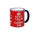 Mantenga tranquilo y continúe la guerra mundial de taza de café
