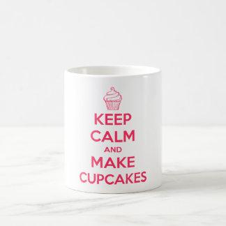 Mantenga tranquilo y haga las magdalenas taza de café