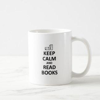 Mantenga tranquilo y lea books.jpg taza clásica
