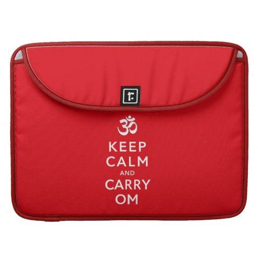 Mantenga tranquilo y lleve a OM Macbook favorable  Fundas Para Macbooks