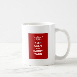 Mantenga tranquilo y lleve el hilado taza clásica