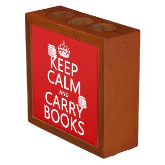 Mantenga tranquilo y lleve los libros (en