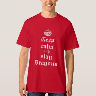 Mantenga tranquilo y mate la camisa medieval de la