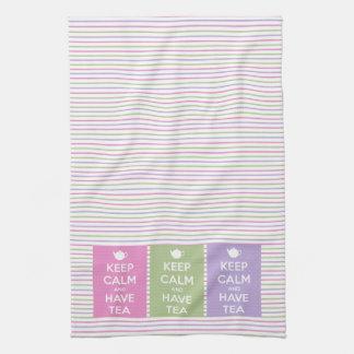 Mantenga tranquilo y tenga collage del té toallas de cocina
