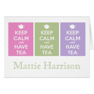 Mantenga tranquilo y tenga collage del té tarjeta de felicitación
