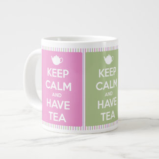 Mantenga tranquilo y tenga collage del té taza extra grande