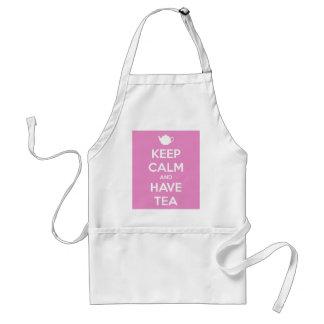 Mantenga tranquilo y tenga delantal rosado del té