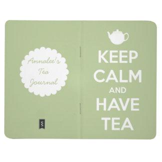 Mantenga tranquilo y tenga diario de la verde cuaderno grapado