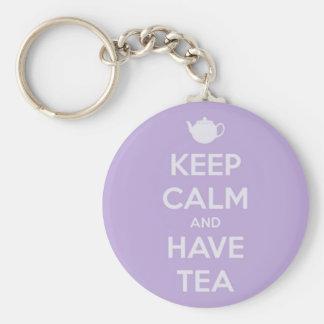 Mantenga tranquilo y tenga lavanda del té llaveros personalizados