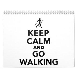 Mantenga tranquilo y vaya el caminar nórdico calendario de pared