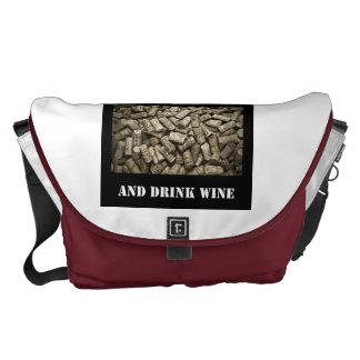 Mantenga vino tranquilo y de la bebida bolsa messenger