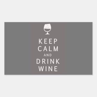 Mantenga vino tranquilo y de la bebida pegatina rectangular