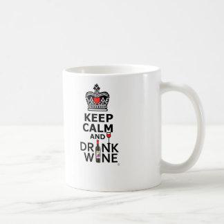 Mantenga vino tranquilo y de la bebida taza de café