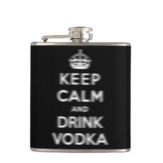 Mantenga vodka tranquila y de la bebida petaca