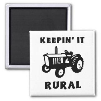 Manteniéndolo rural imán cuadrado