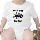 Manteniéndolo rural trajes de bebé
