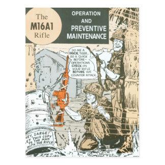 Mantenimiento militar del rifle del vintage tarjeta postal