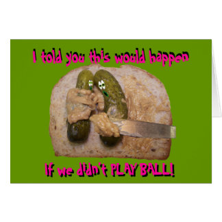 Mantequilla de cacahuete cómica del pepinillo en t tarjeta de felicitación