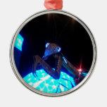 mantis religiosa del metal - 1.jpg adorno navideño redondo de metal