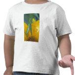 Mantis religiosa femenina con el saco del huevo camiseta