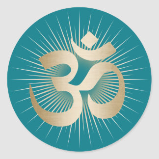 Mantra de OM de los rayos del oro de la yoga y de Pegatina Redonda