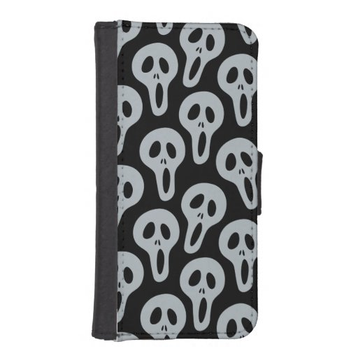Many Screams iPhone 5 Wallets