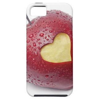 Manzana roja fresca con un símbolo en forma de cor iPhone 5 Case-Mate cárcasa