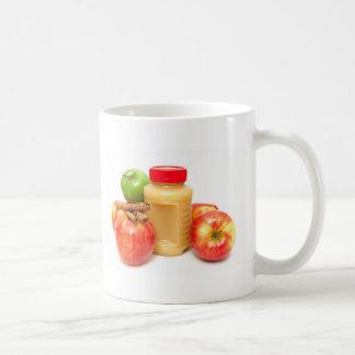 Manzanas canela y compota de manzanas taza de café