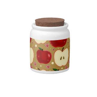 Manzanas cortadas rojo jarra para caramelo