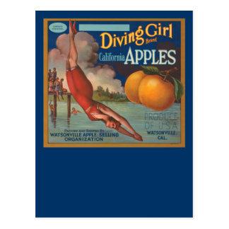 Manzanas de California del chica del salto Postal